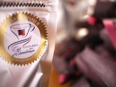 バレンタイン シュトーレン X カップオブエクセレンス マリアージュセットのお渡しを開始いたします!